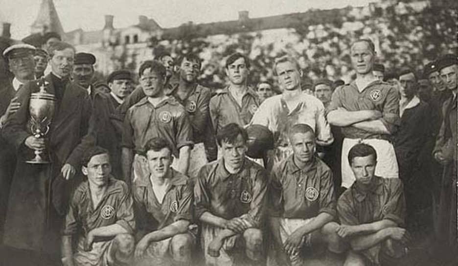 11 июня 1922 года команда одержала победу в финале абсолютного первенства Москвы, в котором встретились победители первой и второй лиг. Со счетом 4:2 был обыгран Московский клуб спорта. 25 июня того же года клуб ОЛЛС выиграл «Кубок столиц» — соревнование сильнейших футбольных коллективов Москвы и Петрограда