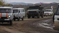Азербайджан лег поперек дороги