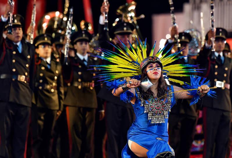 Выступление участников военного оркестра Министерства обороны Мексики