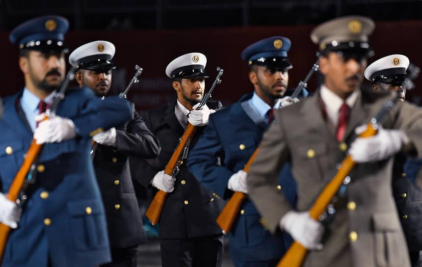 Выступление парадного расчета Вооруженных сил Катара