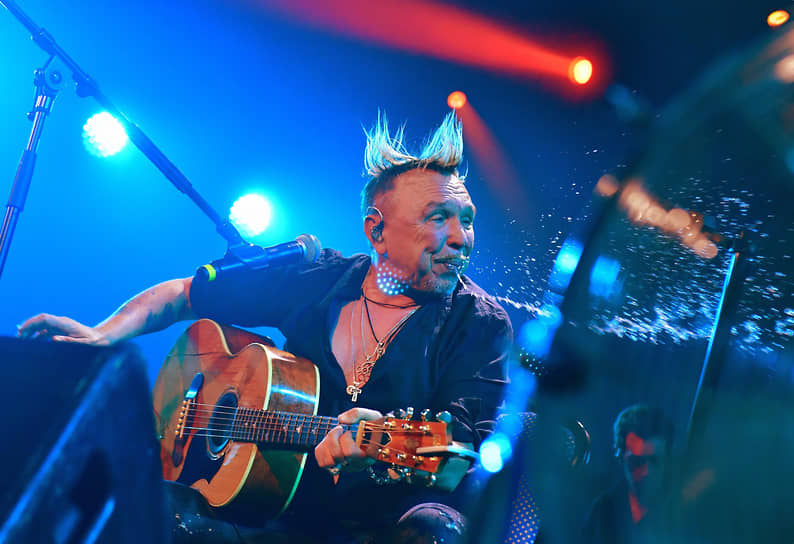 Москва. Музыкант Гарик Сукачев на концерте в Music Media Dome