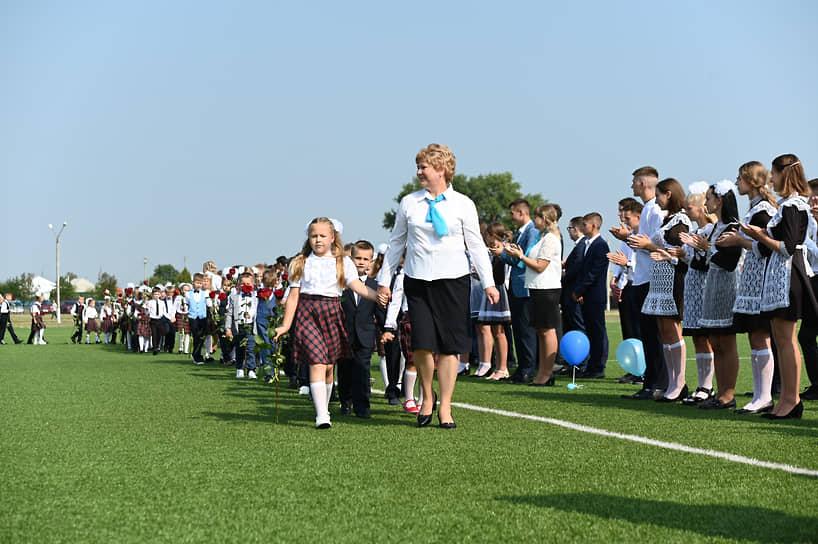 Средняя школа города Новохоперск Воронежской области