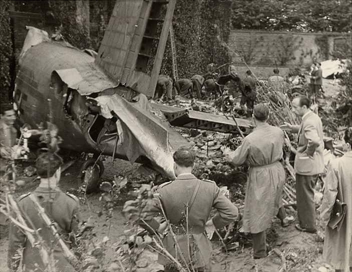 В мае 1949 года самолет Fiat G.212 авиакомпании ALI, следовавший из Лиссабона в Турин, при заходе на посадку потерпел катастрофу. На борту находился 31 человек, включая основной состав итальянского футбольного клуба «Торино». Выживших в авиакатастрофе не было