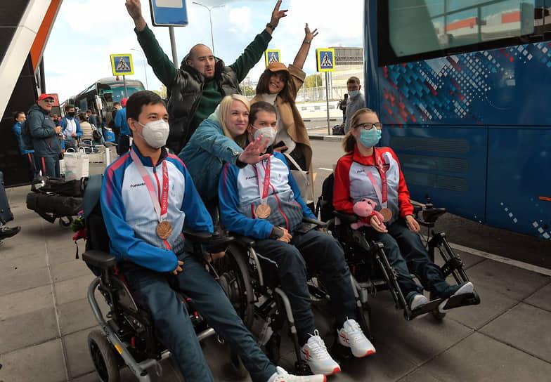 Торжественная встреча российский паралимпийцев в Шереметьево