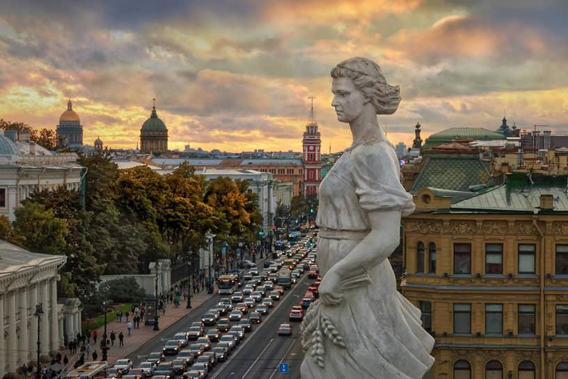 Санкт-Петербург. Вид на Невский проспект