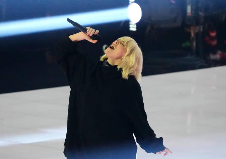 Певица Билли Айлиш получила награду в номинации «Лучшее видео с социальным посланием» за клип на песню «Your Power»