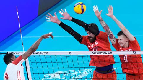 Совсем не олимпийский финал // После успеха на летних Играх российские волейболисты неудачно выступили на чемпионате Европы