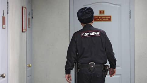 Бизнесмены заработали на наличности // Объем незаконных финансовых операций оценивается более чем в 5 млрд руб.