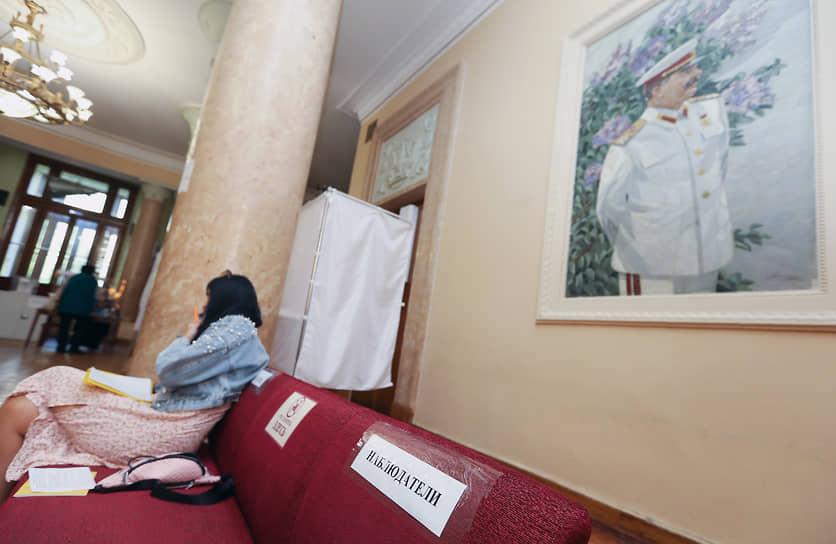 Волгоград. Портрет Иосифа Сталина на избирательном участке