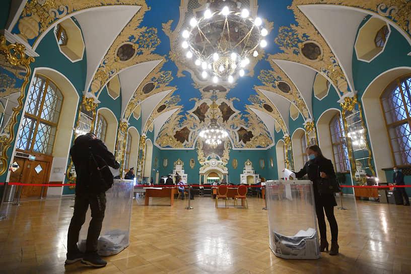 Москва. Избирательный участок на Казанском вокзале
