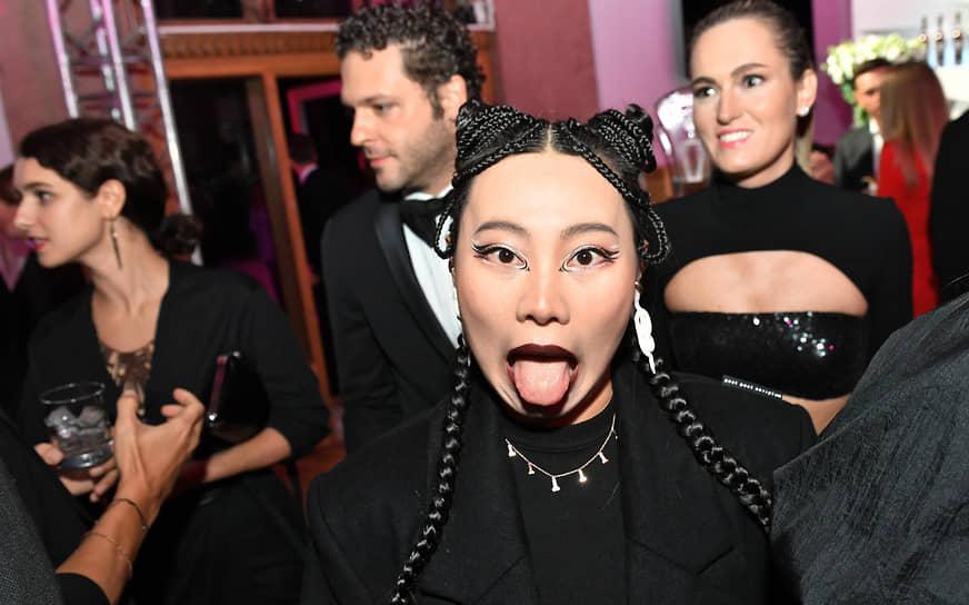 Актриса, режиссер Ян Гэ на церемонии вручения ежегодной премии GQ Men of the Year 2021