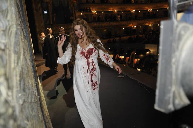 Анна Нетребко является Народной артисткой России, каммерзенгером Венской оперы, многократный лауреатом высшей театральной премии Санкт-Петербурга «Золотой софит», немецкой музыкальной премии «Эхо классик»