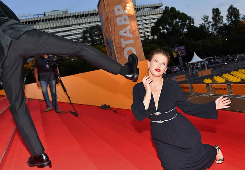 Актриса Варвара Шмыкова на церемонии открытия кинофестиваля «Кинотавр»