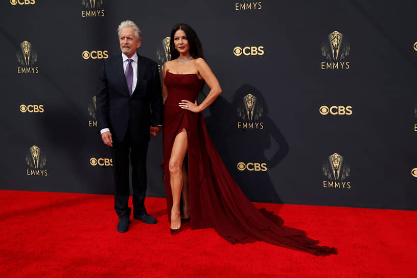 Актер Майкл Дуглас номинировался в категории «Лучший комедийный актер» (сериал «Метод Комински»)<br> На фото: со своей женой актрисой Кэтрин Зетой-Джонс