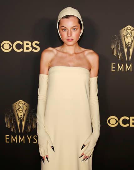 Эмма Коррин, исполнившая роль принцессы Дианы в сериале «Корона», номинировалась как лучшая драматическая актриса
