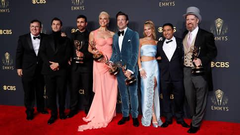 Коронный выход  / Вручили премии Emmy