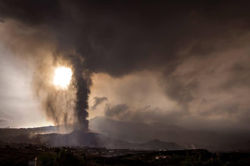 Остров Пальма, Испания. Извержение вулкана