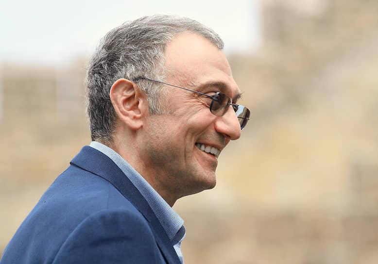 5-е место. Основной владелец золотопромышленной компании «Полюс», член Совета федерации Сулейман Керимов (с семьей) — $922 млн