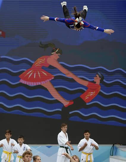 Алушта, Россия. Церемония открытия фестиваля культуры и спорта народов Юга России