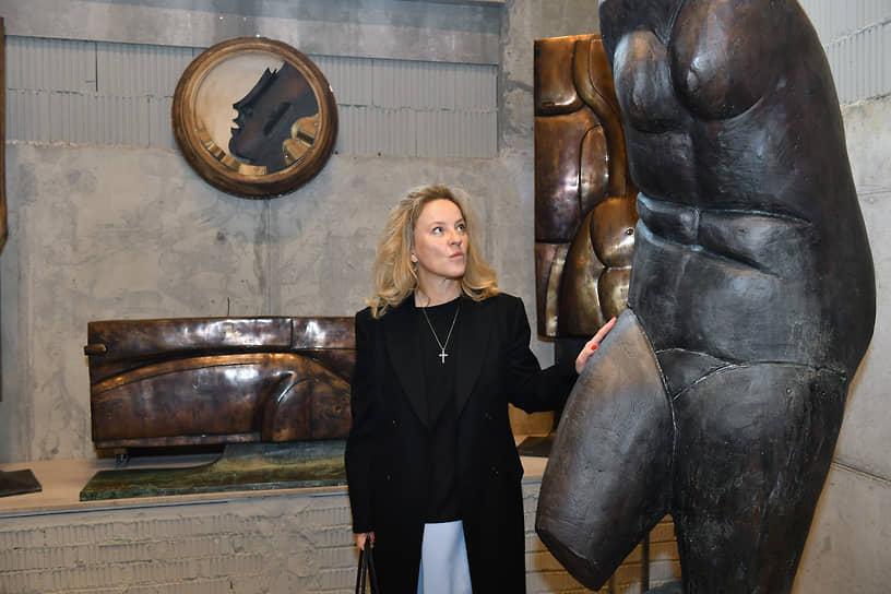Художница Александра Вертинская на церемонии открытия скульптурной галереи Георгия Франгуляна Frangulyan Gallery