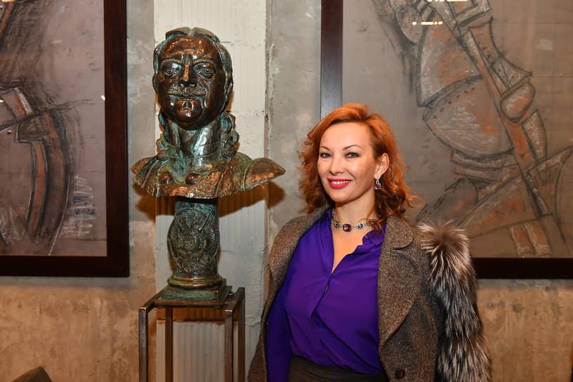 Генеральный директор «ART мебель отель» Ольга Гужаускайте на церемонии открытия скульптурной галереи Георгия Франгуляна Frangulyan Gallery
