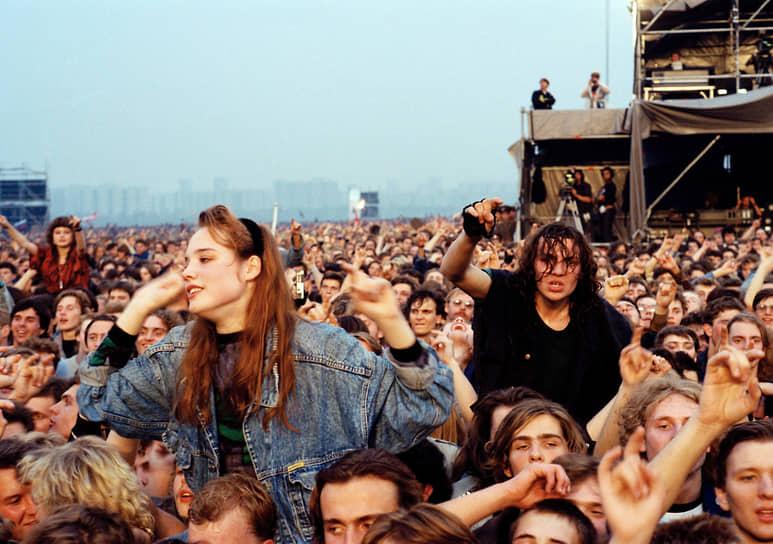 Группа Pantera, открывавшая концерт, тогда еще не была широко известной среди отечественных слушателей и стала популярной среди российских поклонников метал-музыки именно после фестиваля в Тушино
