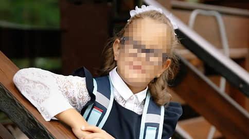«Этому ребенку нужна семья, и, если никто не готов, как я могу пройти мимо?» // Как живет девочка, которая по решению родителей провела в больнице первые шесть лет жизни