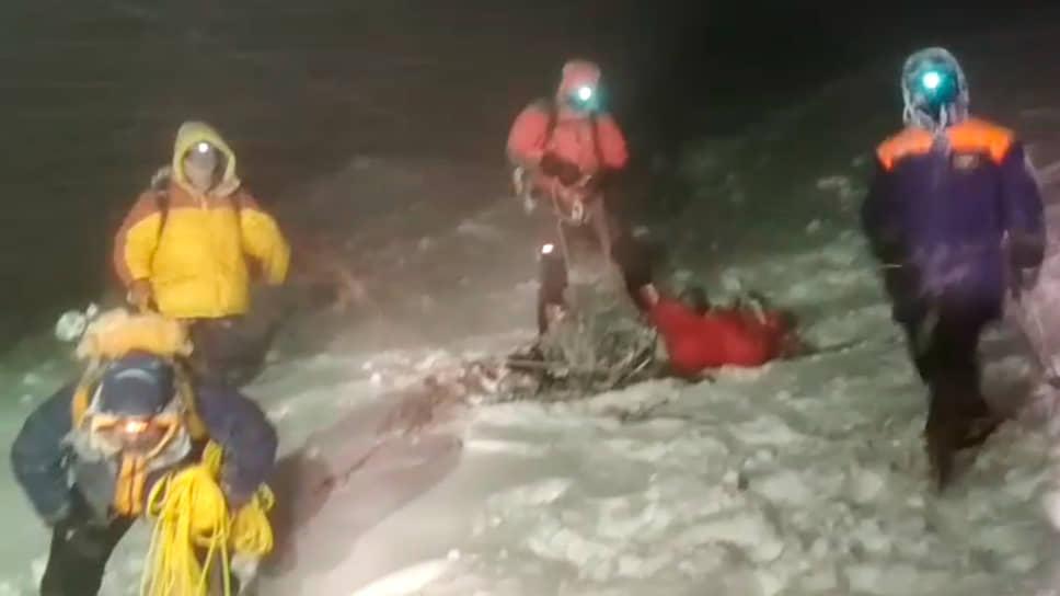 Спасатели на Эльбрусе в ходе операции
