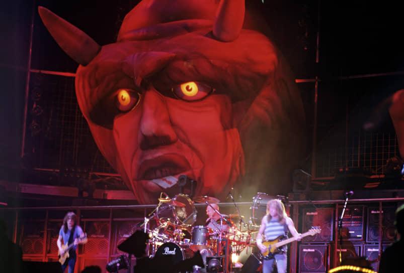 Группа AC/DC (на фото) после выступления на фестивале в Тушино ни разу не давала концертов в России