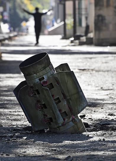 Улица Степанакерта после обстрела со стороны Азербайджана