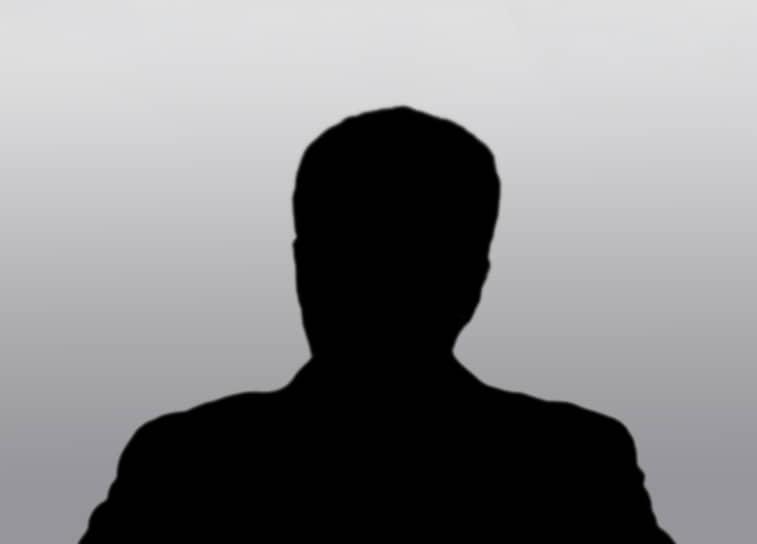 <b>Рустем Мулюков, уфимский активист</b> <br>14 февраля 2019 года Калининский районный суд Уфы приговорил его к двум годам лишения свободы условно за призывы к экстремизму на митинге волонтеров штаба Алексея Навального (штабы признаны экстремистской организацией, их деятельность запрещена в РФ) в июне 2017 года