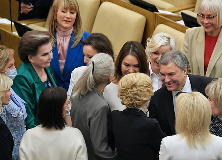 Председатель Госдумы Вячеслав Володин (справа)