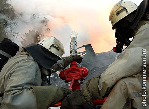17.07.2007 Во Львовской области опрокинулись 15 цистерн грузового поезда с ядовитым желтым фосфором
