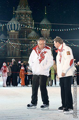 01.12.2007 На Красной площади в Москве открылся каток