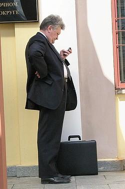 Губернатор Михаил Машковцев решил зазвать земляков на референдум об объединении вопросами про ЖКХ. Фото: Вячеслав Реутов / Коммерсантъ. Загружается с сайта Ъ