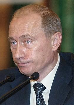 Владимир Путин до сих пор не подписал обращение глав регионов с объединительной инициативой. Фото: Дмитрий Азаров / Коммерсантъ. Загружается с сайта Ъ