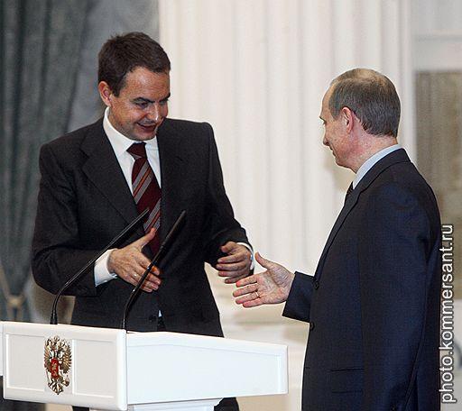 Президент России Владимир Путин (справа) во время встречи с председателем Правительства Испании Хосе Луисом Родригесом Сапатеро (слева)