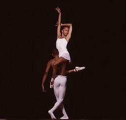 Балерина и негры фото 474-851