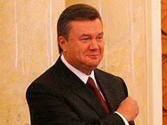 Председатель Верховной Рады Украины Александр Мороз и премьер-министр Украины Виктор Янукович во время расширенного заседания Кабинета Министров Украины