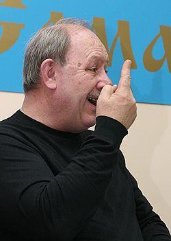 Мэр Самары Виктор Тархов не хочет быть паровозом, если в предвыборном поезде поедут преимущественно его оппоненты. Загружается с сайта Ъ