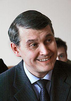 Суд посчитал, что мэр Лебедев (на фото) нарушил решение суда о его отстранении, а также подписку о невыезде и требование о надлежащем поведении. Загружается с сайта Ъ