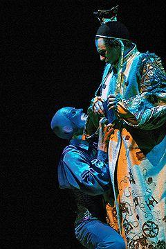 СИНЕЕ ЧУДОВИЩЕ По пьесе Карло Гоцци в театре Сатирикон Ярко и живенько, мне понравилось Палачь играющий на топоре как...