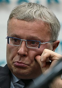 Александр Лебедев призадумался, как ему остаться на сочинских выборах. Фото: Сергей Киселев/Коммерсантъ. Загружается с сайта Ъ