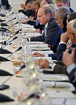 Владимир Путин продоговорился // Борьбы за власть в России в 2012 году не будет
