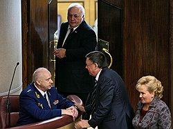 По версии депутатов, господин Бастрыкин (слева) превысил свои полномочия. Фото: Сергей Киселев/Коммерсантъ. Загружается с сайта Ъ