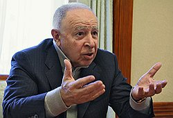 Ситуацию в Дагестане раскачивают люди из Москвы // Муху Алиев рассказал, чем заканчивается его президентский срок