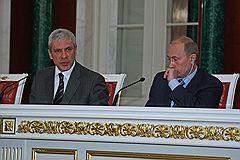 Председатель правительства России Владимир Путин (справа) и президент Сербии Борис Тадич (слева)