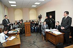 Судебное заседание в центральном суде Волгограда по иску бывшего мэра города Романа Гребенникова по поводу его отрешения от должности губернатором области Анатолием Бровко