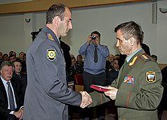 Министр внутренних дел России Рашид Нургалиев (справа) во время встречи с сотрудниками министерства внутренних дел Кабардино-Балкарской республики