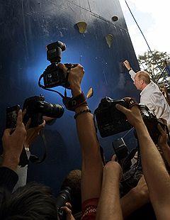"""Председатель правительства России Владимир Путин на всероссийскиом молодежном образовательном форуме """"Селигер-2011"""""""